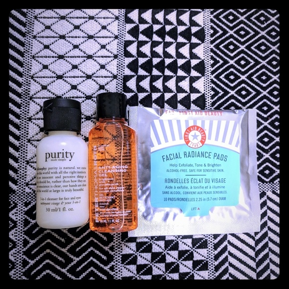With you pure glow facial cleansing cushions